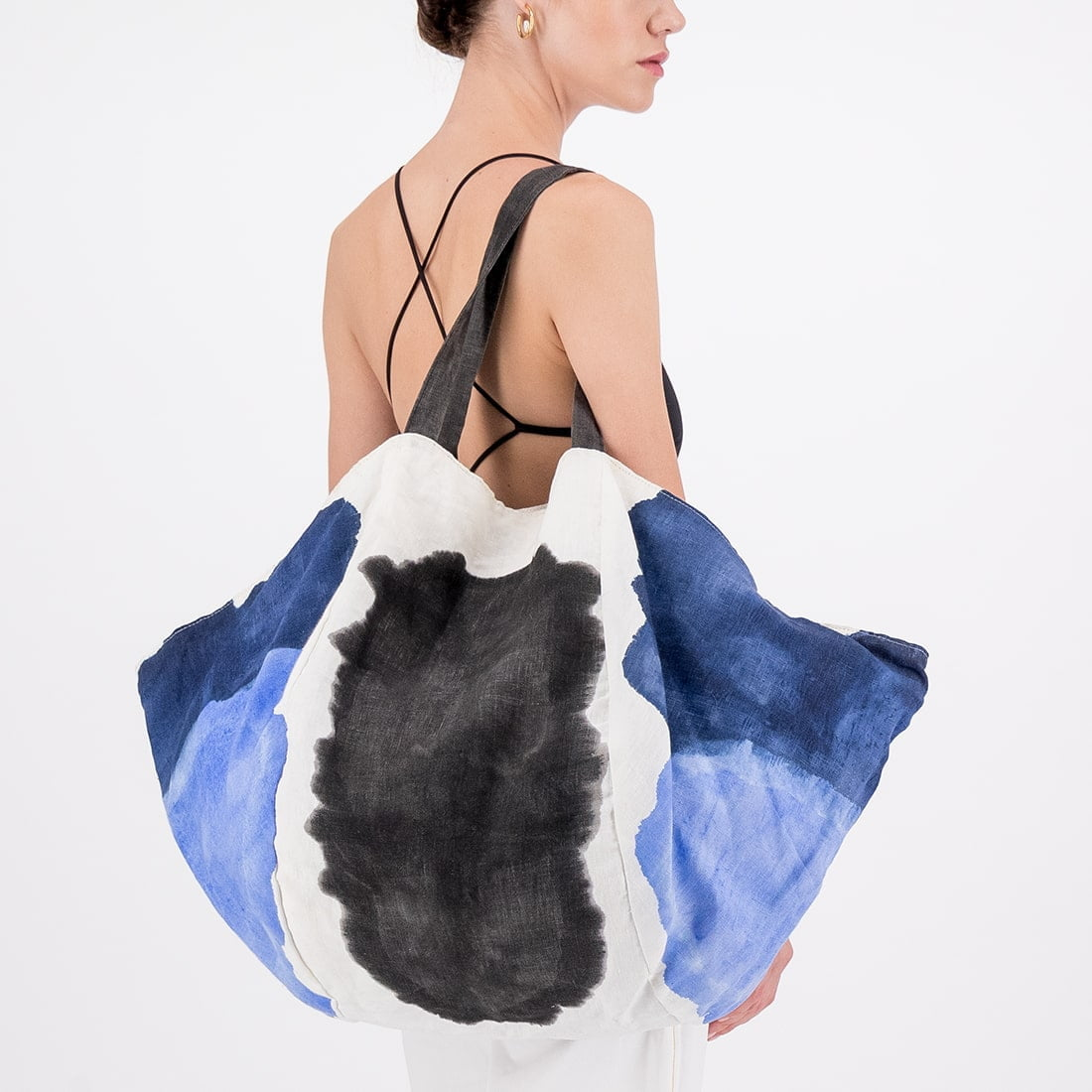 Atlas hand-painted linen tote with cotton interior 2