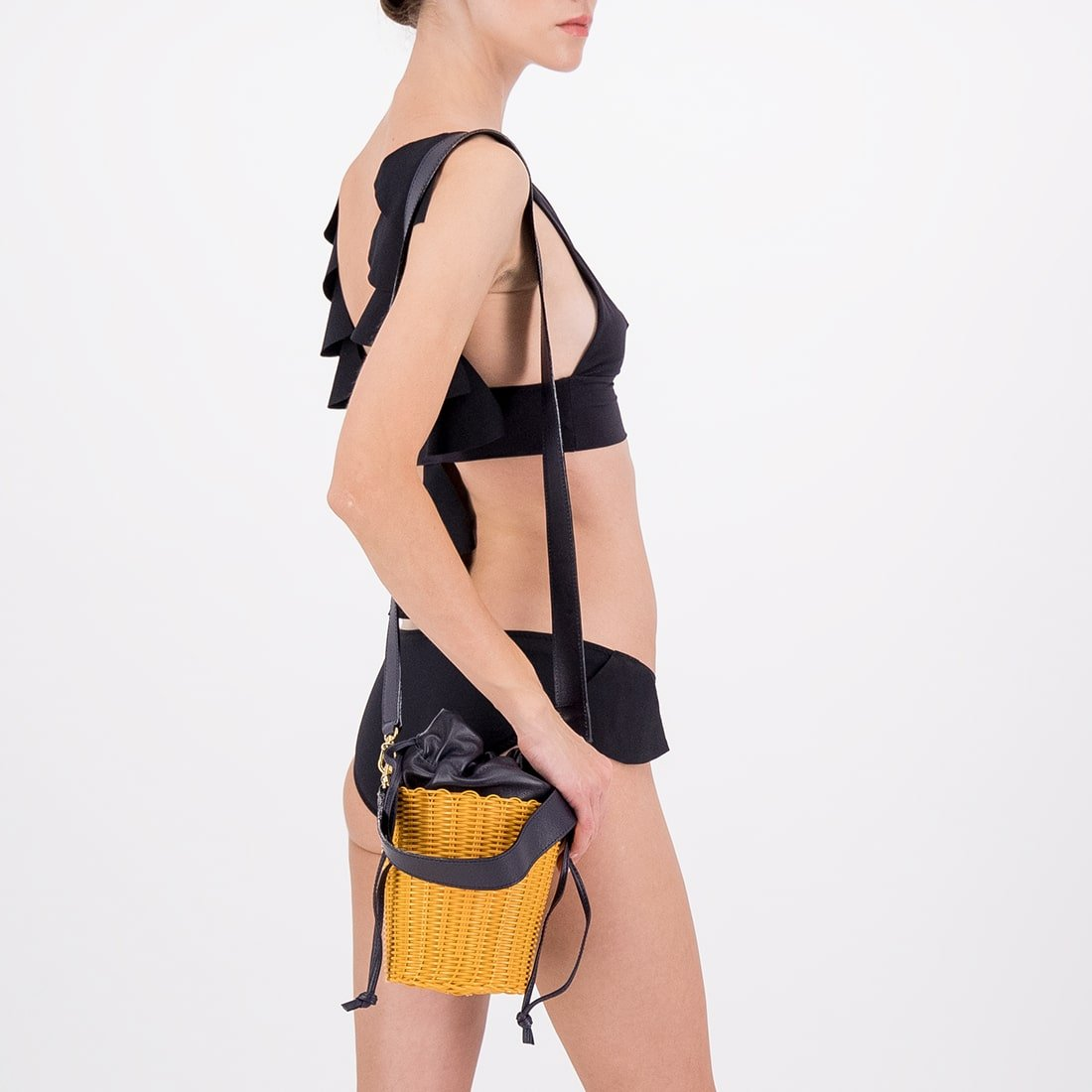 Recycled plastic woven bucket bag with leather insert 2